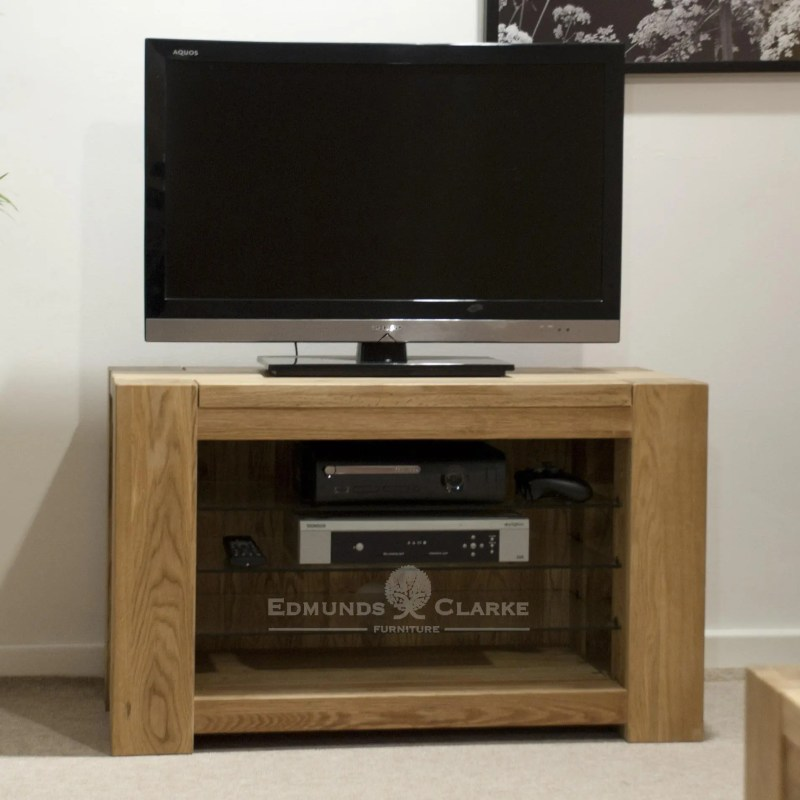 Newmarket squer edge chunky solid oak tv entertainment stand