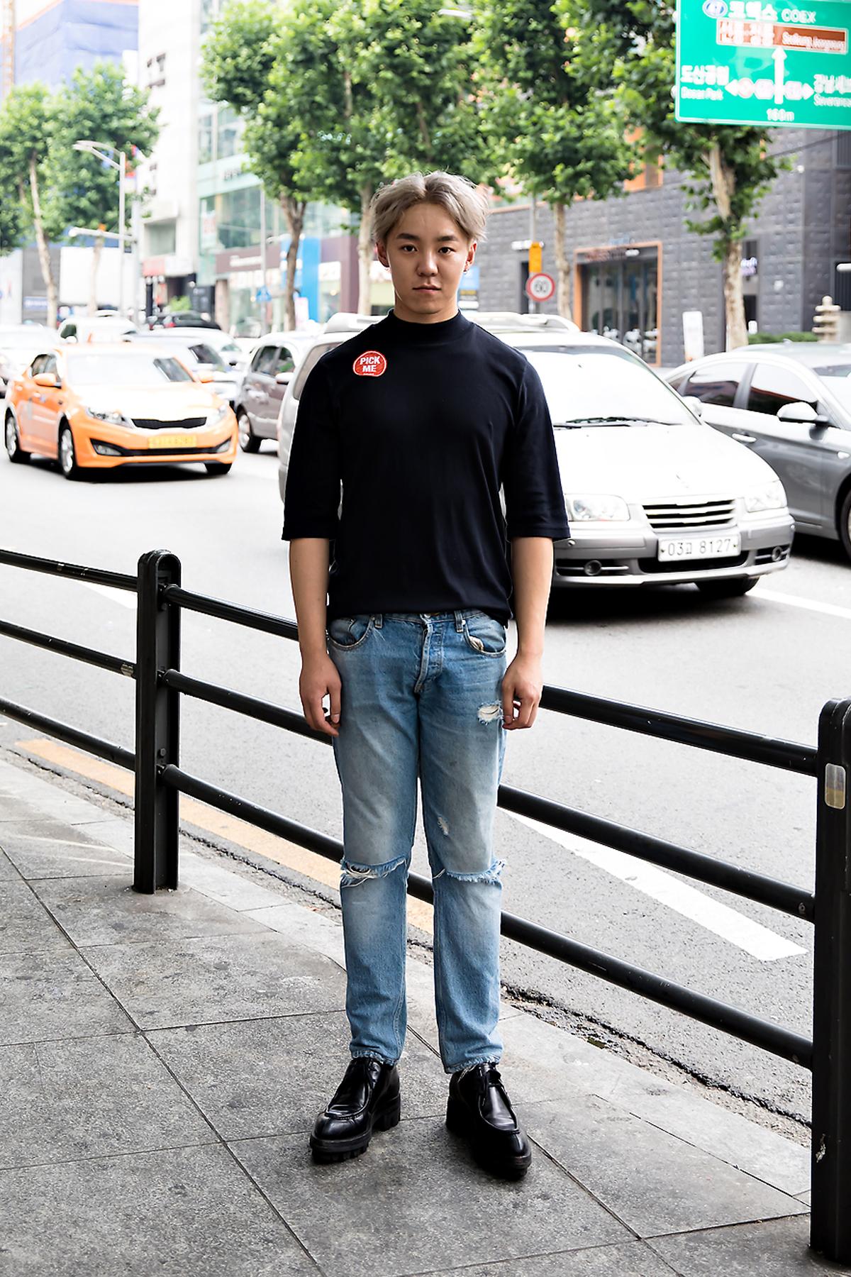 Kang Yohan, Street Fashion 2017 in Seoul.jpg