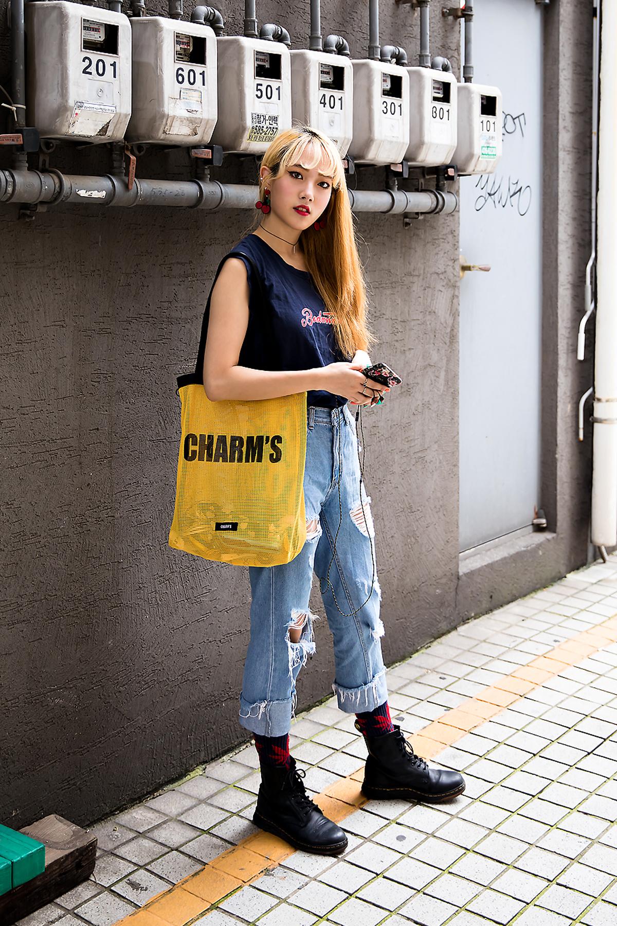 Lee Chae Yeon, Street Fashion 2017 in Seoul.jpg