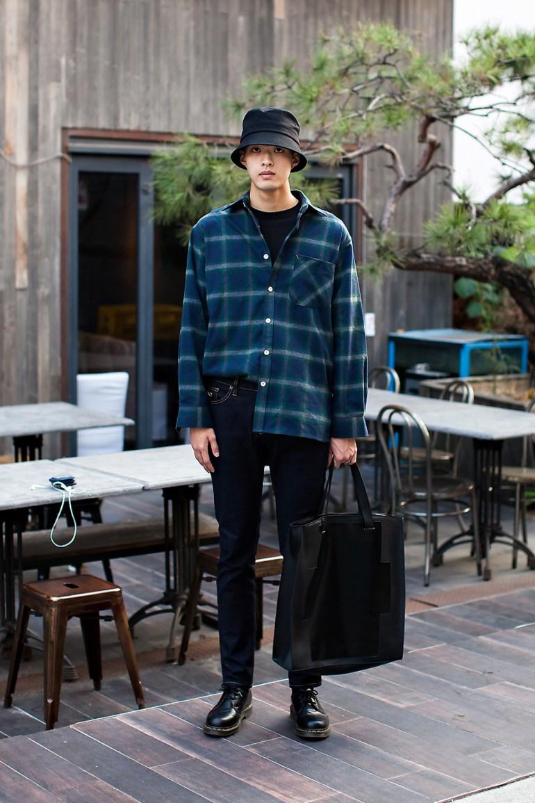 Lee Eunseok, Street Fashion 2017 in Seoul.jpg