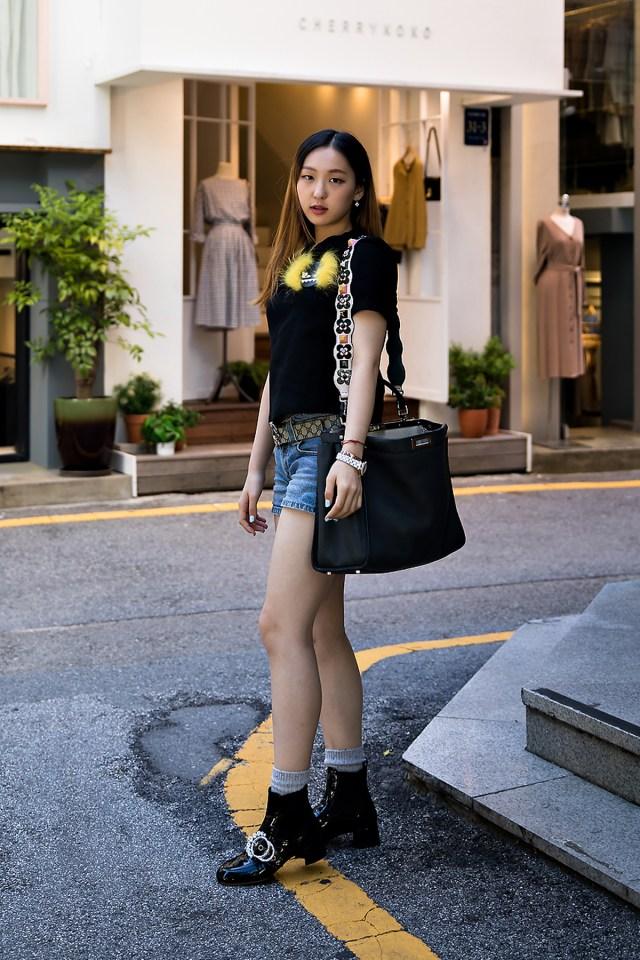 Shin Sunmin, Street Fashion 2017 in Seoul.jpg