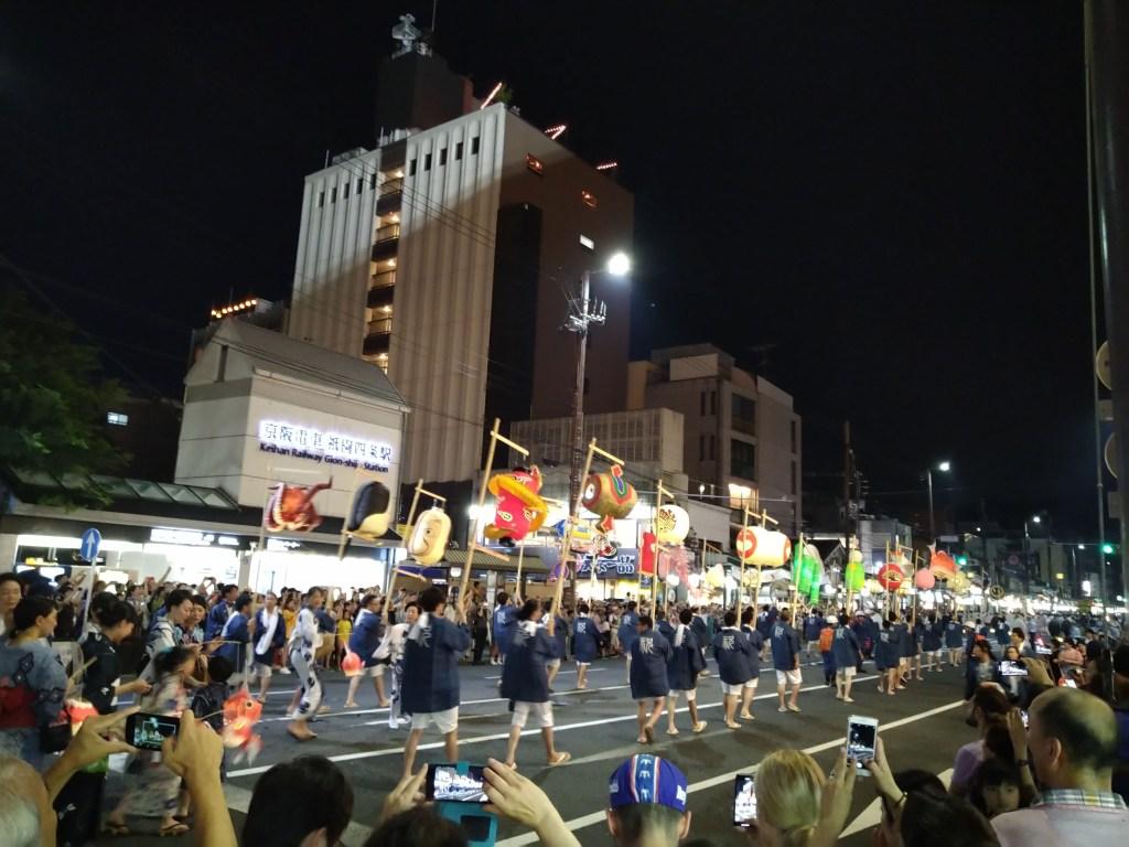 祇園祭り 四条通り