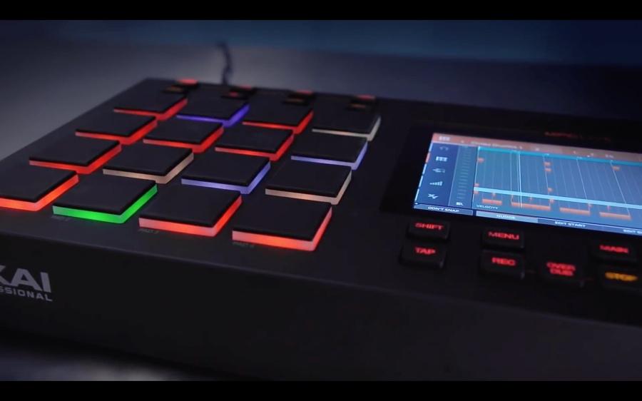 Akai Professional、ポータブル&パワフルなスタンドアローンMPC「MPC Live」の概説ビデオを公開