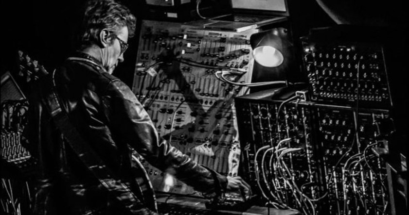 Dave Bessell and modular Synthesziers B&W