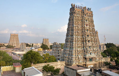 800px-India_-_Madurai_temple_-_0781