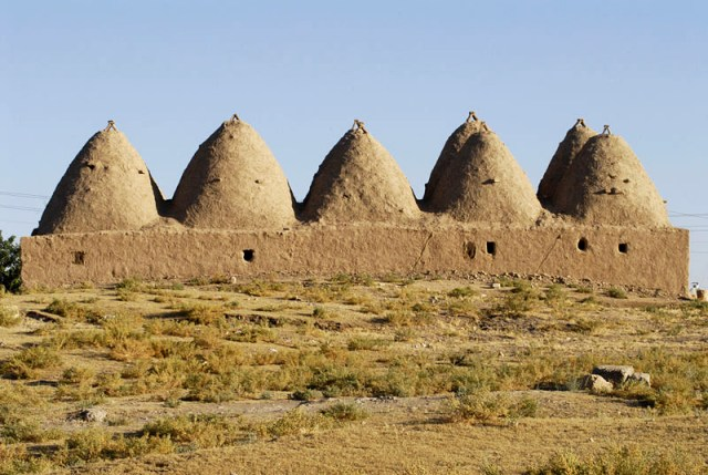 Harran_beehive_houses_(2)