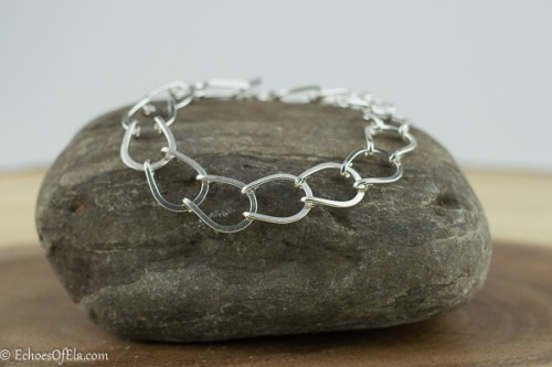 Classic, timeless and lightweight sterling silver bracelet