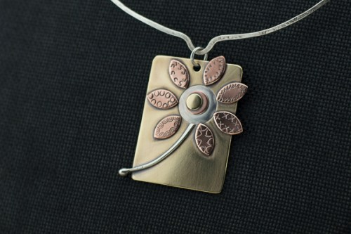 mixed-metal0flower-pendant1