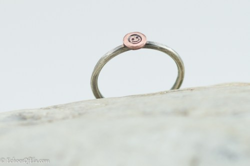 mixed-metal-smileyface-ring