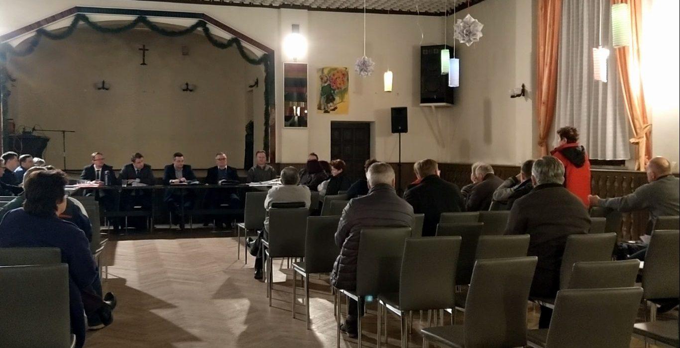 Arkadiusz Wiśniewski na obradach Rady Dzielnicy Czarnowąsy 1
