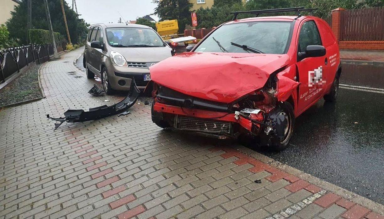 Jedna osoba ranna w wypadku w Dobrzeniu Wielkim 4