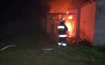Pożar budynku gospodarczego w Jełowej 5