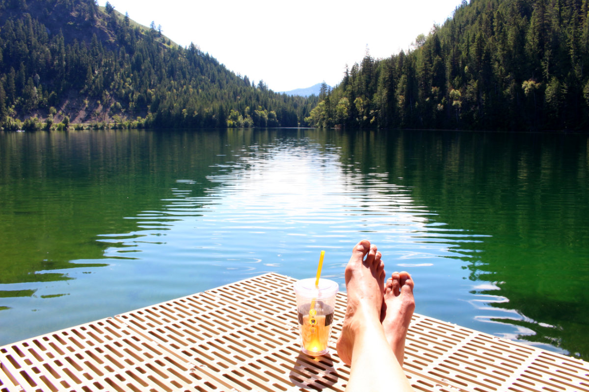 Oh glorious canada day long weekend echo lake resort for Echo lake ca cabine