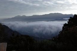 2500米的山上,下面就是一片雲海