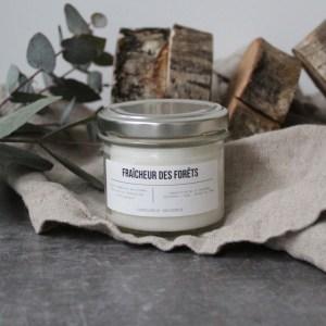 bougie vegan bocal en verre marque candle box provence senteur fraicheur foret odeur sapin, bouie artisanale