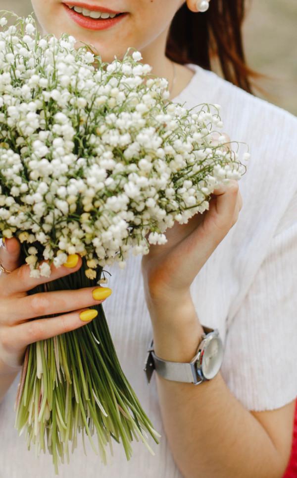 fleur blanche muguet en bouquet pour mariage de printemps