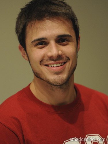 kris-allen lovely looking pleasant sounding lad so wheres the harm eh?