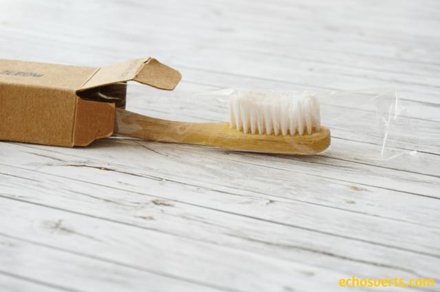 Brosse à dents écologique vegan Ecobamboo echosverts.com