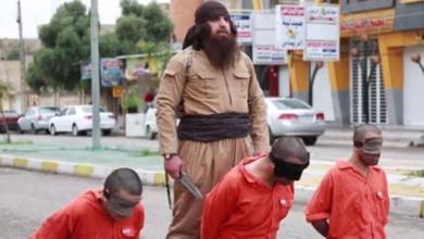 """صورة """"داعش"""" يذبح كرديًا ويتوعد بشن هجمات في تركيا و """"كردستان"""" العراق"""