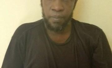 """صورة الأمن الموريتاني إعتقل """" سليمان كيتا"""" القيادي في تنظيم أنصار الدين في عرفات  ثم سلمه لمالي"""