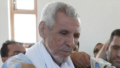 صورة الرئيس السابق محمد خونة ولد هيدالة يضمن إبنه عند مفوضية الشرطة القضائية