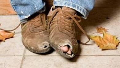 صورة ما الذي يقود الإنسان إلى الفقر..؟