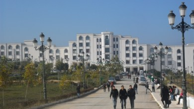 صورة الجزائر : طلبة يقتلون أستاذ ضبط أحدهما في حالة تلبس بالغش أثناء الامتحان.