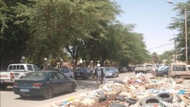 صورة موريتانيا: حضرية نواكشوط تعود لتنظيف الشوارع بعد فشل الشركات الخصوصية