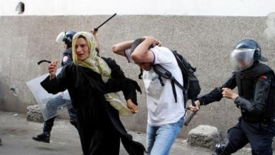 صورة المغرب : اصابة نساء صحراويات واعتقال متظاهرين متضامنين مع معتقلين في السجون المغربية