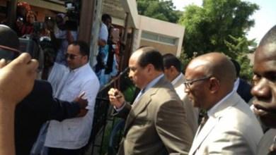 صورة ولد عبد العزيز يزور مراكز صحية في العاصمة