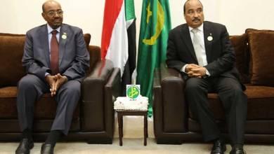 صورة عاجل: وصول الرئيس ولد عبد العزيز للسودان ولقاء مغلق مع البشير