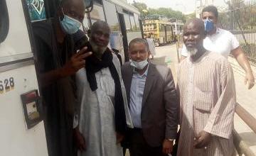 صورة السفارة الموريتانية في دكار تتولى تكاليف نقل 300 مواطن الى أرض الوطن