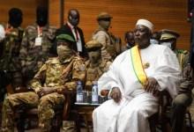 صورة الإنقلابيون في مالي يحتفظون بمناصب وزارية في الحكومة