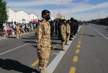 صورة رئيس الجمهورية يشرف على فعاليات العرض العسكري المنظم بمناسبة الذكرى 60 لعيد الاستقلال الوطني (صور خاصة )