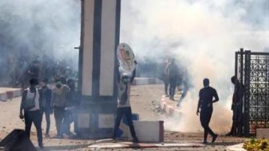 """صورة السلطات السنغالية تقطع بث قنوات تلفزيونية خاصة بسبب  الإحتجاجات ضد اعتقال المعارض """"سونكو"""""""