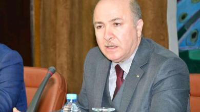 صورة الرئيس الجزائري يُعين وزير أولا جديدا ويكلفه بتشكيل الحكومة
