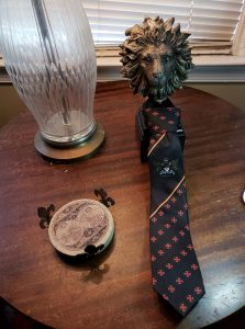 This a beautiful Templar tie and made from fine material.