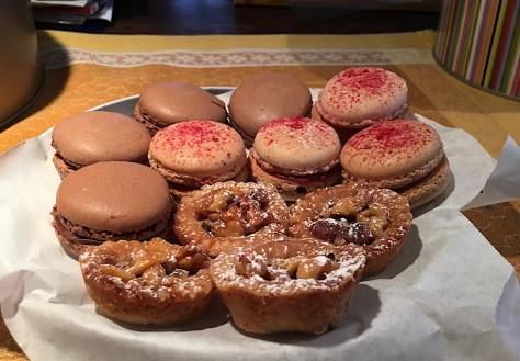 Macarons mit Schokoladen oder Himbeer Creme Rezept IMG_3355