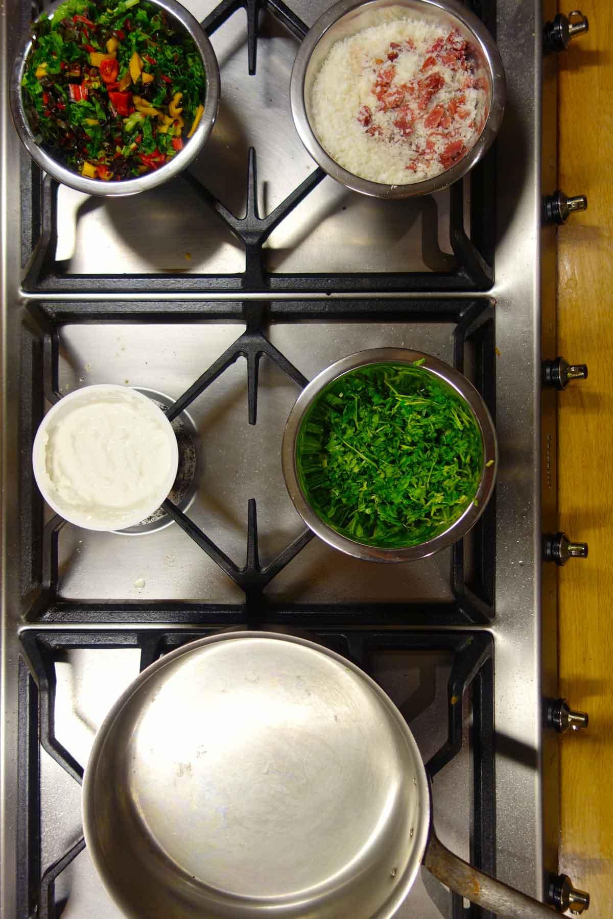 Mise-en-place-voor-turbo-pasta-met-kaassaus