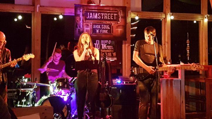 jamstreet-im-strandwolf
