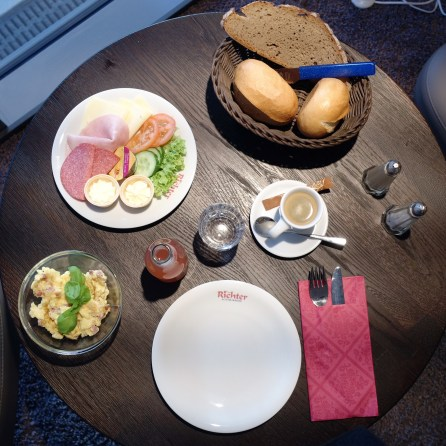 Das Meisterfrühstück mit Rührei. Mehr geht nicht, zumindest bei mir ;-)