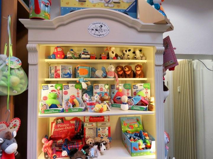 Neben Büchern gibt es bei Steuber auch viele Kleinigkeiten zum verschenken für Kinder und Erwachsene.