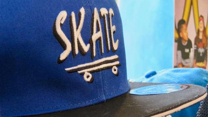Basecaps und Skatermode ist bei Kindern noch immer »in«.