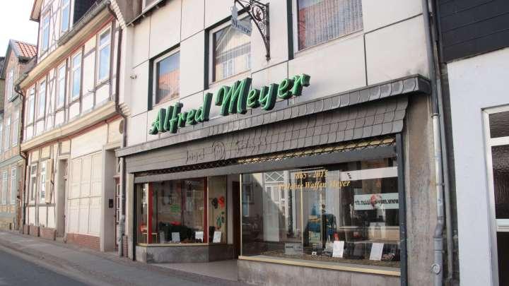 Der zweite Eingang zum Geschäft befindet sich um die Ecke in der Wallstraße 2.