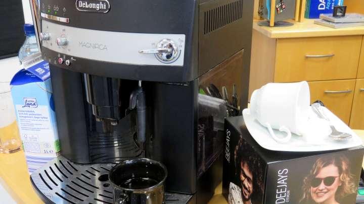 Zu einer individuellen Beratung gehört auch eine gute Tasse Kaffee.