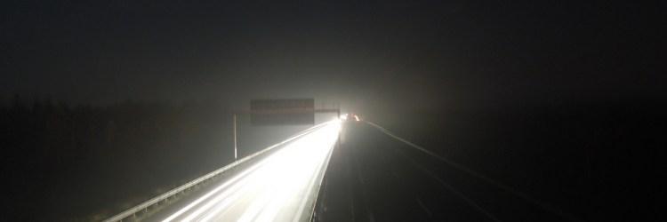 Autobahn bei Nacht / Foto:David~/flickr.com
