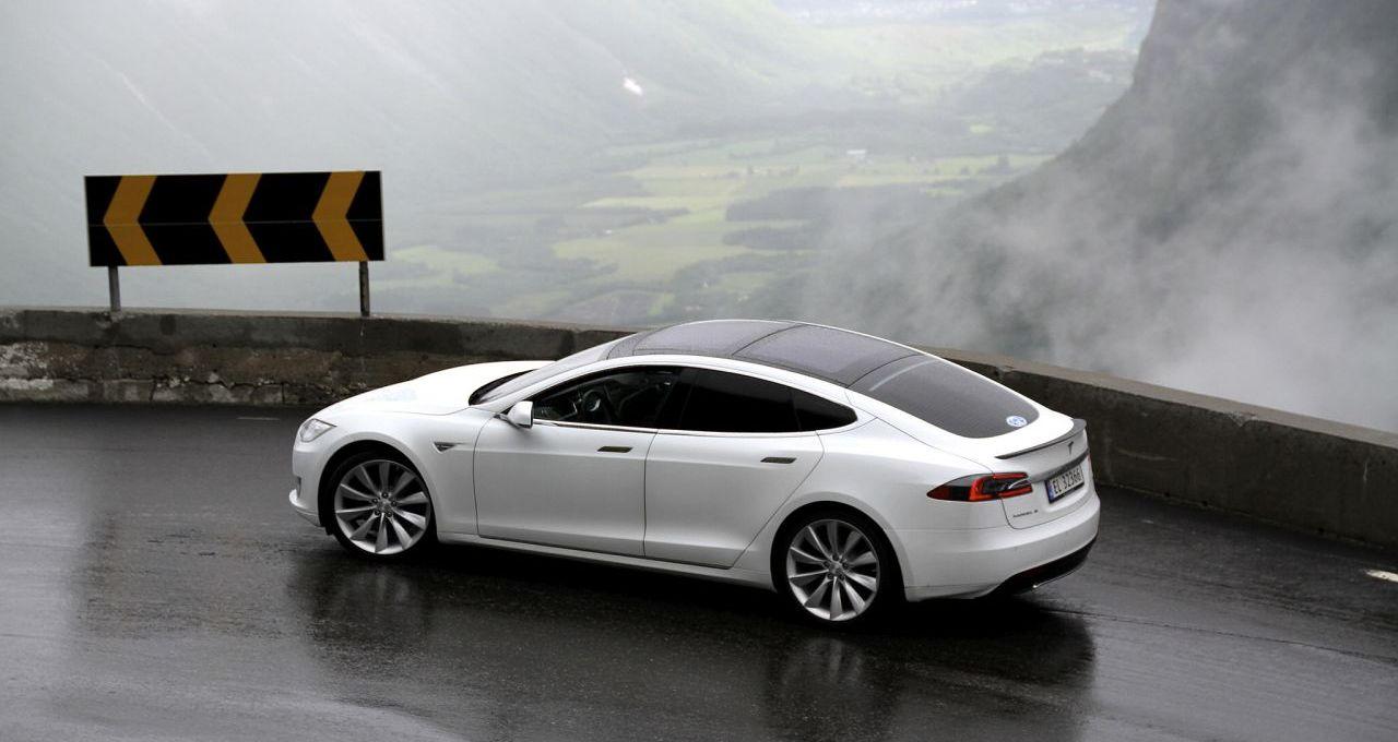 Tesla Model S bei Elektroauto-Rallye in Trollstigen, Norwegen, Foto: Norsk Elbilforening/flickr.com