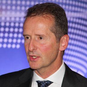 Der damalige BMW-Vorstand Herbert Diess bei einem Vortrag im Jahr 2013, Von RudolfSimon - Eigenes Werk, CC BY-SA 3.0, https://commons.wikimedia.org/w/index.php?curid=26837878