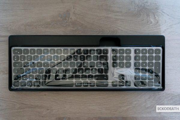 Satechi keyboard unboxing-3-min