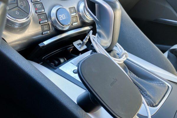 Moshi SnapTo car-7-min